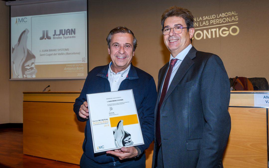 J.Juan recibe un premio por su gestión de Riesgos Laborables.